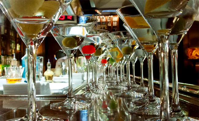James-Bond-MArtinis-By-Javier-de-las-Muelas-Dry-Barcelona-Madrid-07