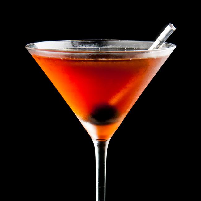 Cocktail Manhattan - Dry Martini By Javier de las Muelas